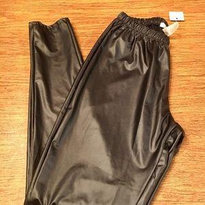 NWT Ultra Flirt Sz Medium black leggings